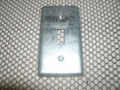 Raco Toggle Utility Box Cover 050169008652. New. Several Scratches Due to Storage Box Storage. MPN: 865.