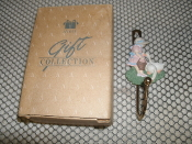 Avon Country Notions Spring Bonnet Decorative Hook. SKU3. DL1009. New.